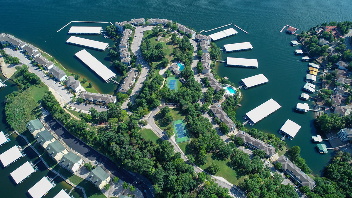 Lake Ozark, MO Condo Overview of Regatta Bay