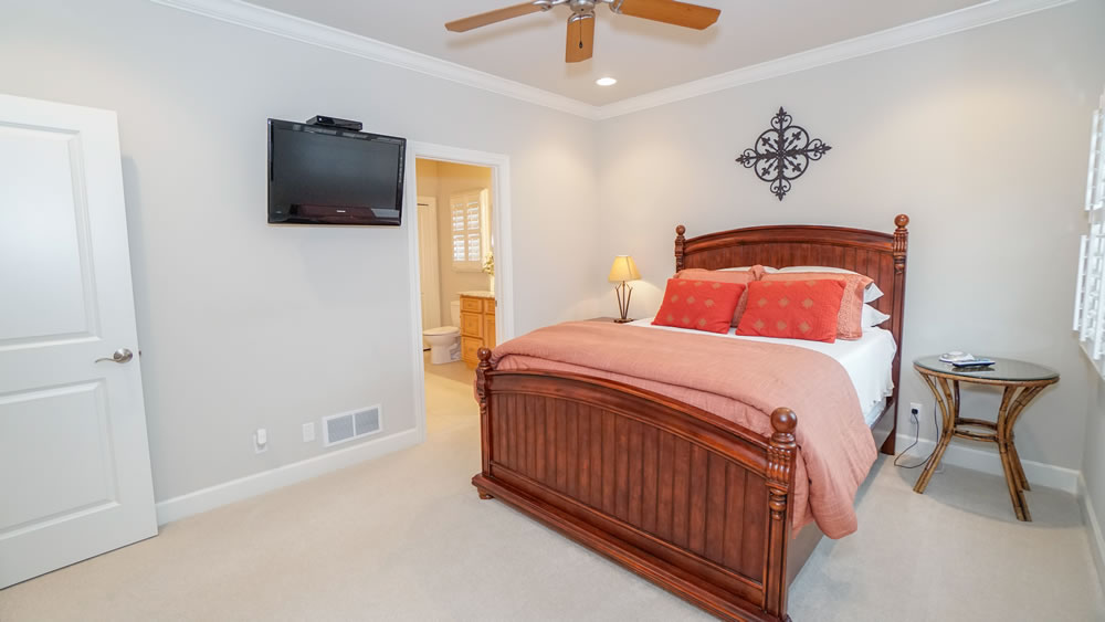Lake Ozark, MO Home Guest Bedroom two